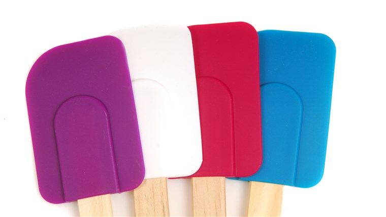 négy rubber and silicone spatulas in different colors
