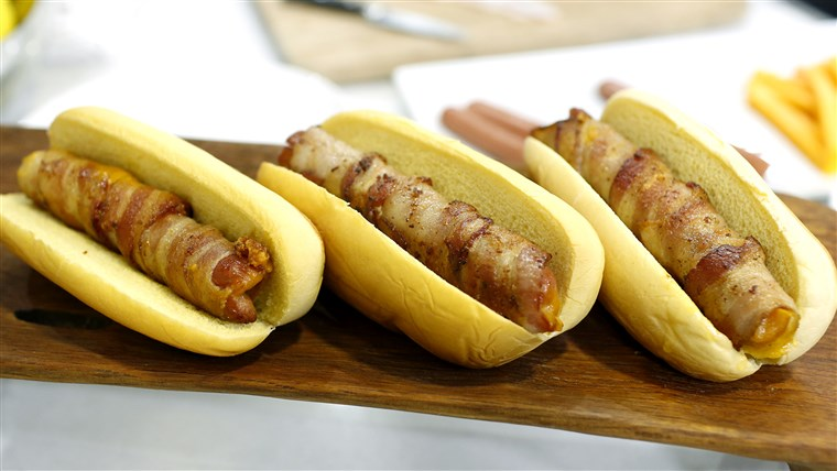 सर्पिल कट hot dogs, braided hot dogs, and cheesy bacon-wrapped hot dogs