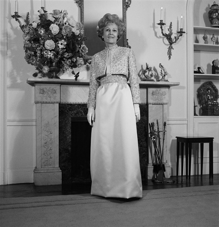 Asszony Pat Nixon In Inaugural Gown