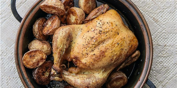 सरल Roast Chicken and Potatoes