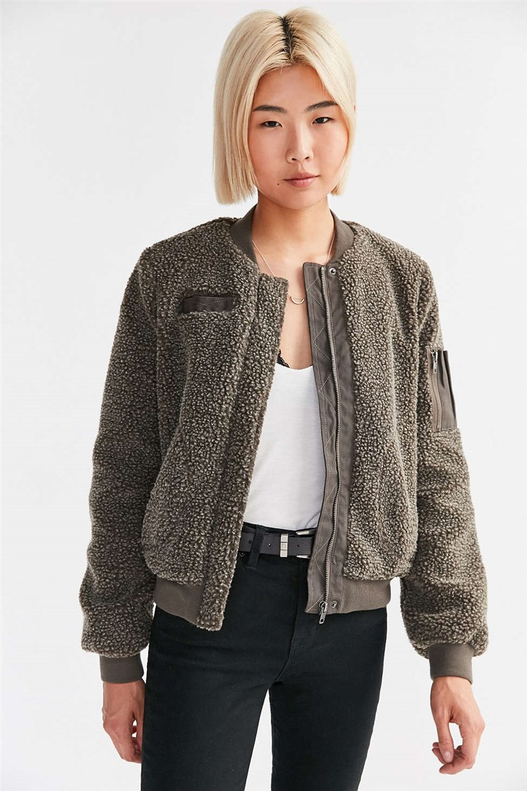 शहरी Outfitters BDG Cozy Teddy Bomber Jacket