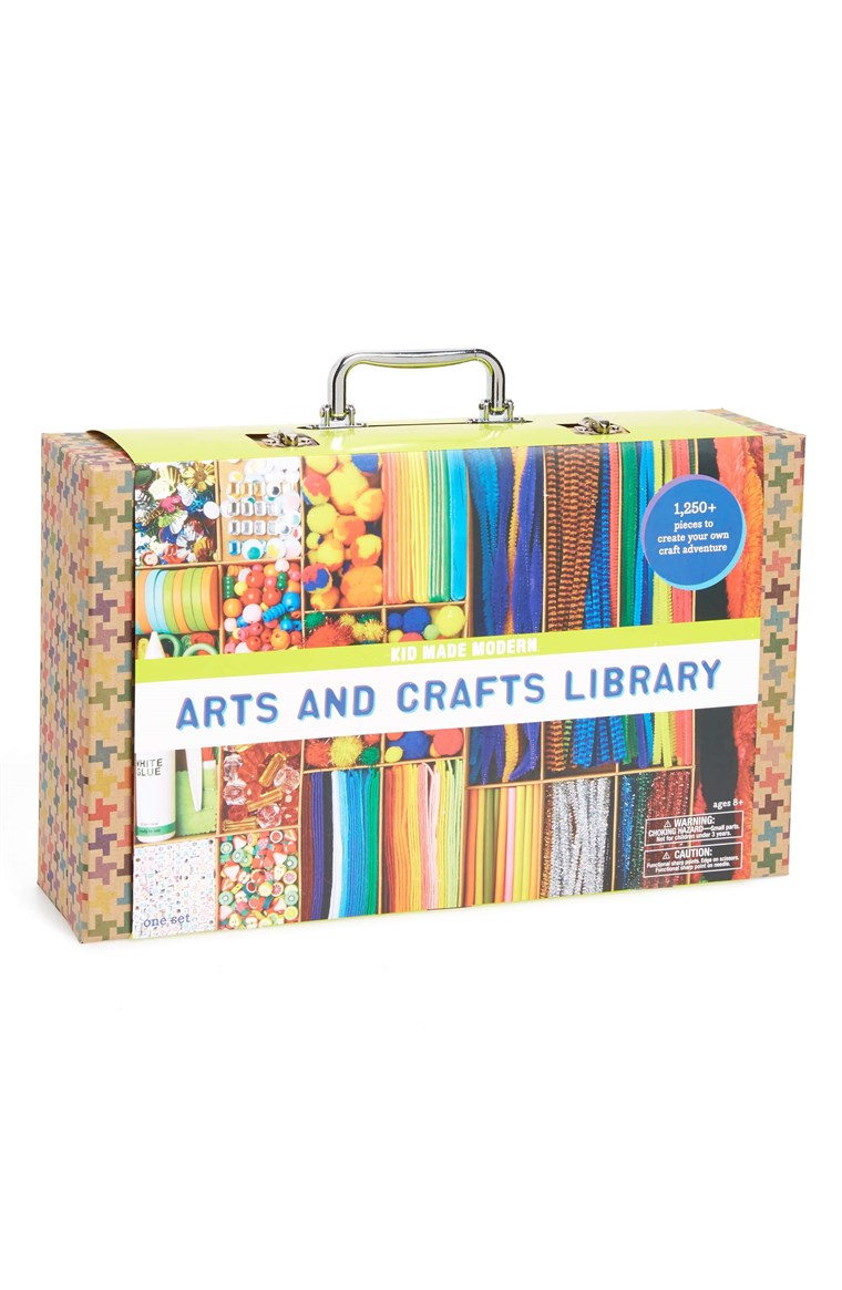 אמנויות and Crafts Library Kit