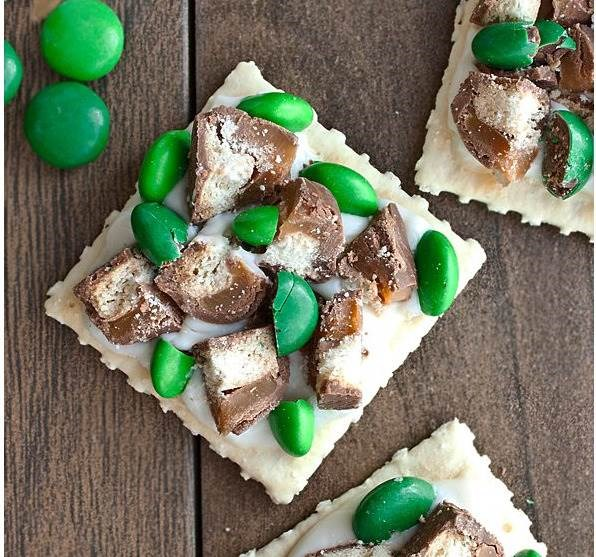 Utca. Patrick's Day candy and cracker bites by Cake Whiz