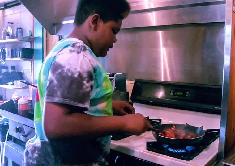 गुरु महाराज Junior contestant Ben Watkins cooks at his family's former restaurant: Big Ben's Bodacious Barbecue.