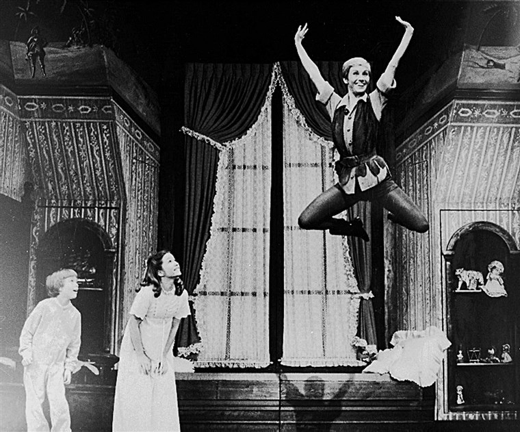 pjeskovit Duncan takes flight as Peter Pan on Broadway with a new set of Darling children played by Marsha Kramer and Jonathan Ward.