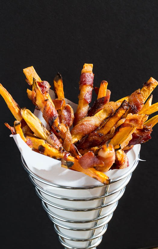 מתוק potato fries wrapped in bacon