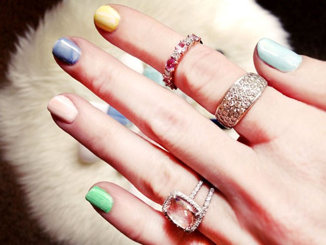 Uskrs nail art designs to DIY: marbelized