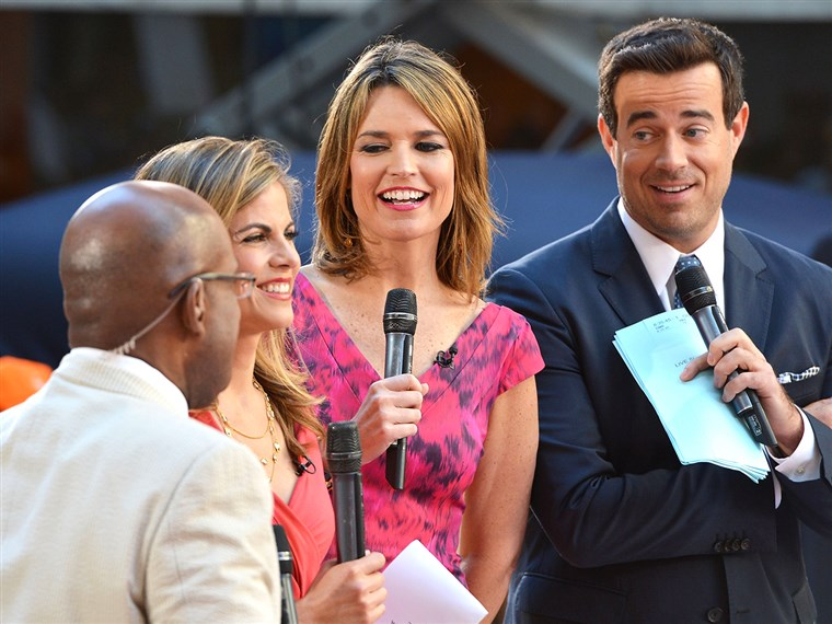 अल Roker, Natalie Morales, Savannah Guthrie and Carson Daly host TODAY.