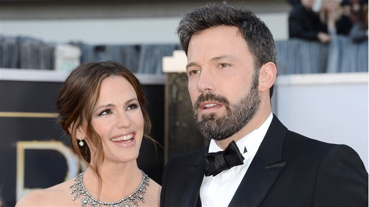 Jennifer Garner and Ben Affleck arrive at the Oscars on February 24, 2013 in Hollywood, California.