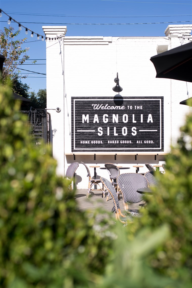 obilazak the Magnolia bakery, store and silos with Chip and Joanna Gaines