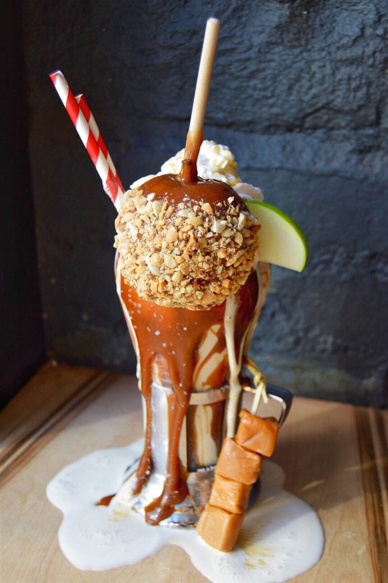 Bombon Apple Milkshake