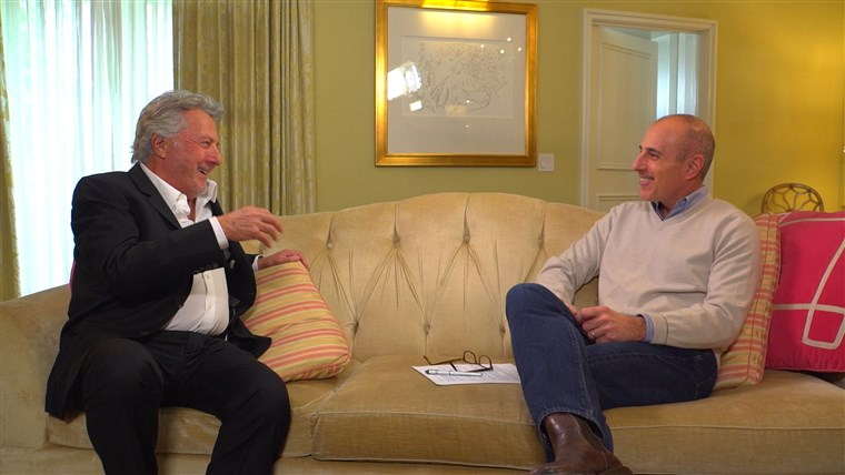 छवि: Dustin Hoffman speaks with TODAY's Matt Lauer on upcoming role