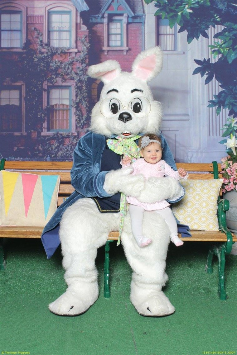 जबकि Fiona Raimondi loved the Easter Bunny last year...