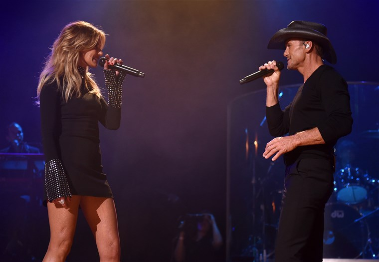 טים McGraw and Faith Hill Soul2Soul World Tour Announcement and Performance at the Ryman