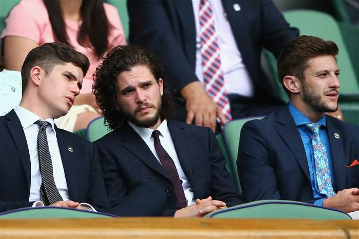 השחקן Kit Harington and Liverpool and English soccer player Adam Lallana.