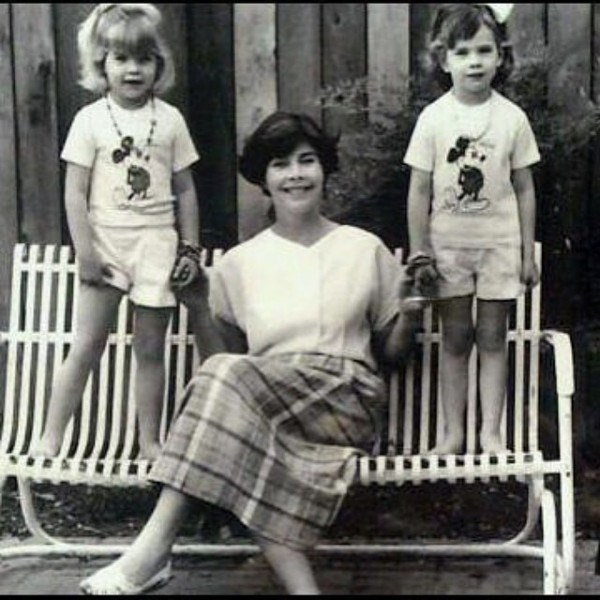 Laura Bush with her two daughters