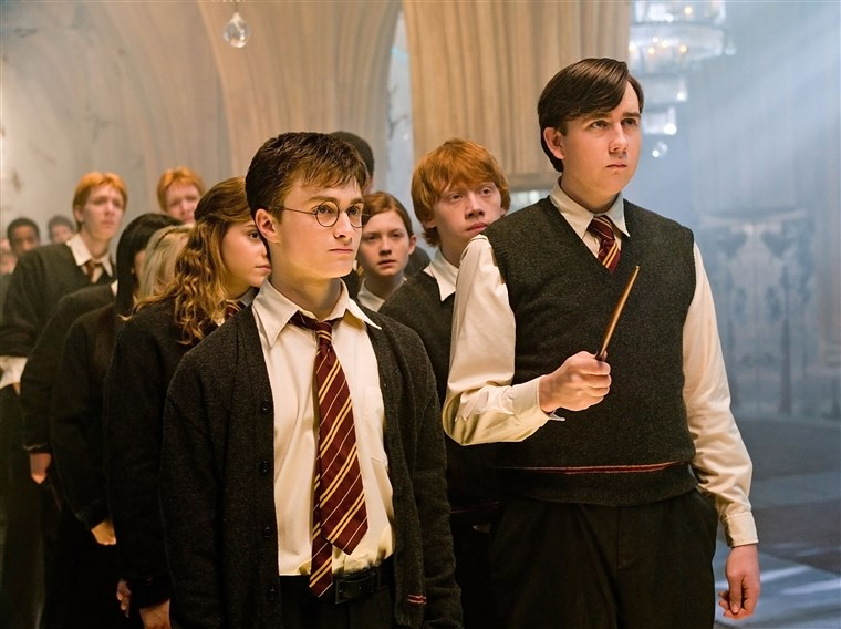 हैरी POTTER AND THE ORDER OF THE PHOENIX, Emma Watson (back, left), Daniel Radcliffe (front left),