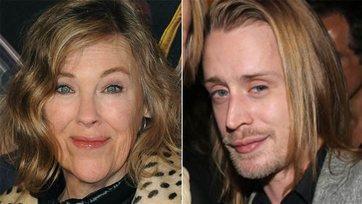 यह's been 25 years since Catherine O'Hara (left) and Macaulay Culkin (right) played mother and son in