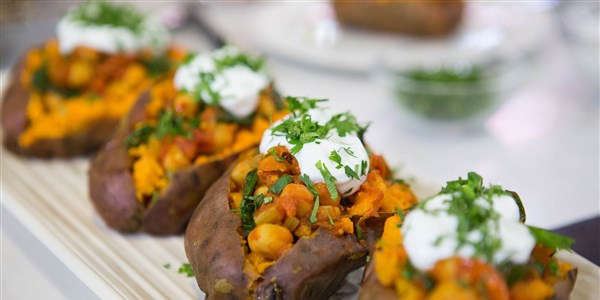 leblebija Chili with Baked Sweet Potatoes