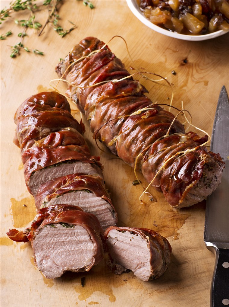 उसका बिस्तर Pork Tenderloin with Apple Chutney recipe from Ina Garten