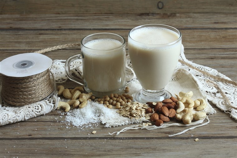 शाकाहारी milk, nuts, soya beans and oats