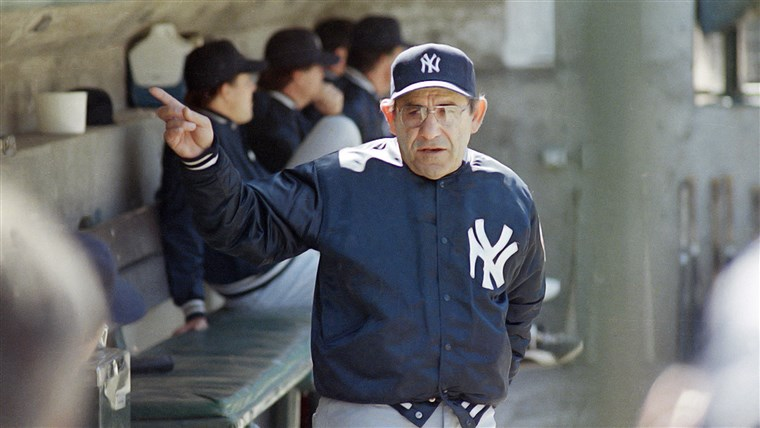 खुश 90th birthday, Yogi Berra!