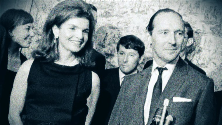 Novo površinom letters showed the heartbreak of David Ormsby-Gore, a former British ambassador to the U.S., over his marriage proposal to Jackie Kennedy being rejected.