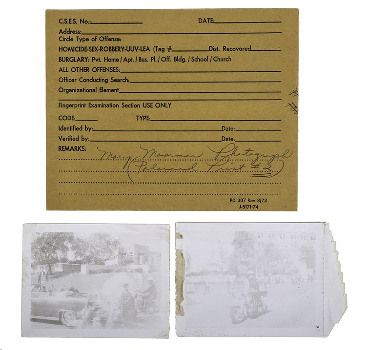 Kép: Mary Ann Moorman's signature showing authenticity of photos from JFK assassination