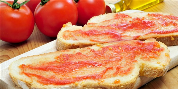 कड़ाही Con Tomate (Catalan Bread and Tomato Tapas)