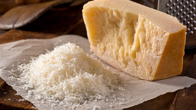 किस तरह to make sure you're getting real Parmesan cheese