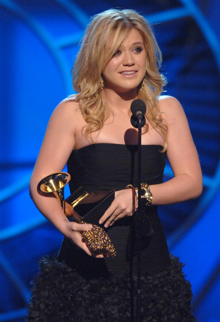 Kelly Clarkson accepts GRAMMY for Best Female Pop Vocal Performance for