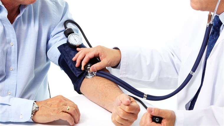 Egészséges lifestyle changes can make a difference in controlling high blood pressure.