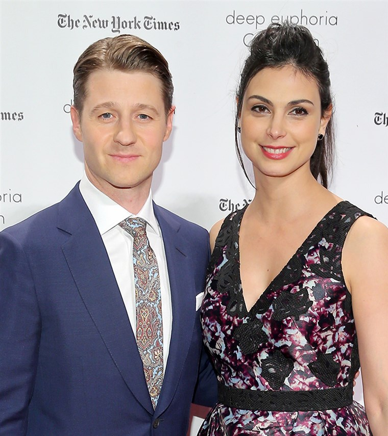 בן McKenzie and Morena Baccarin