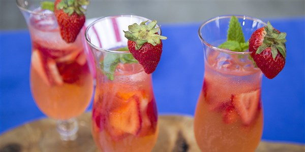 Napos Anderson's Strawberry Vodka Spritzer