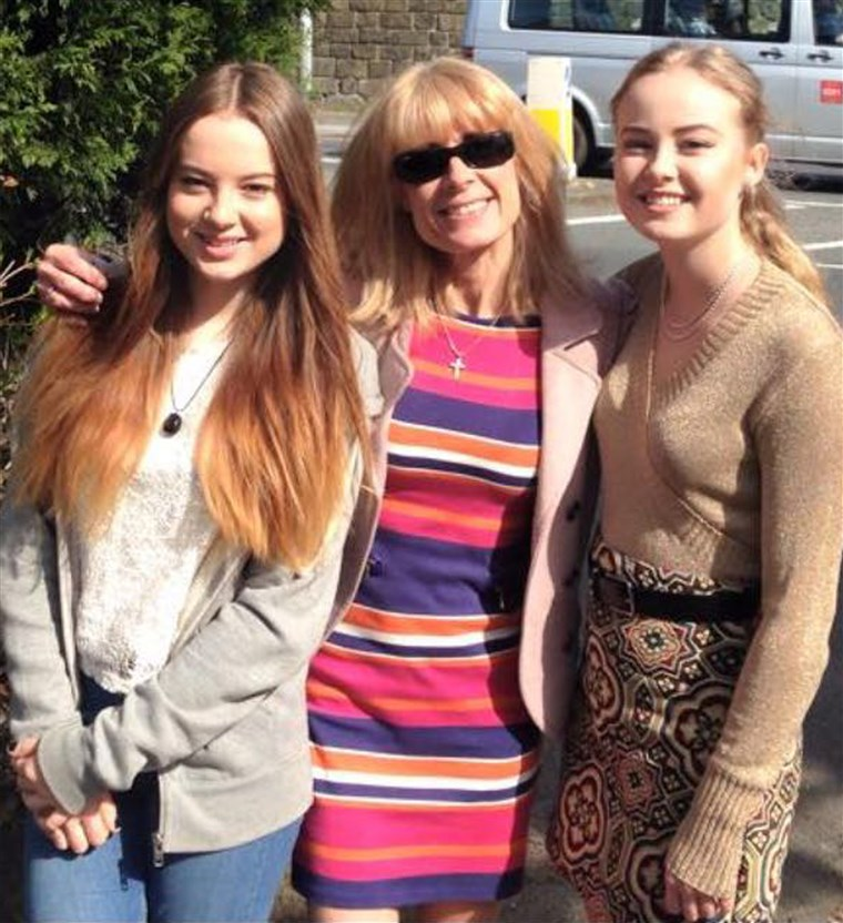 Freja Nicholson with her mother and sister