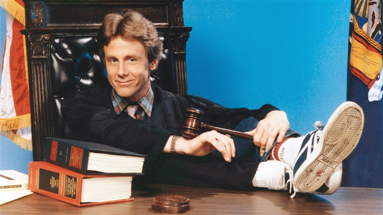 रात COURT, Harry Anderson, (1985), 1984-92. (C)Warner Bros.