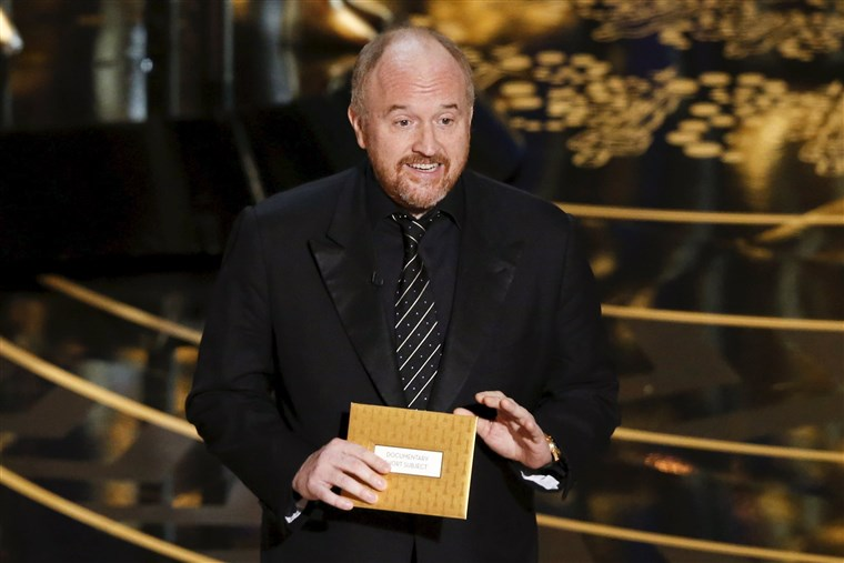Kép: Presenter Louis C.K. introduces the nominees for Best Documentary Short Film at the 88th Academy Awards in Hollywood