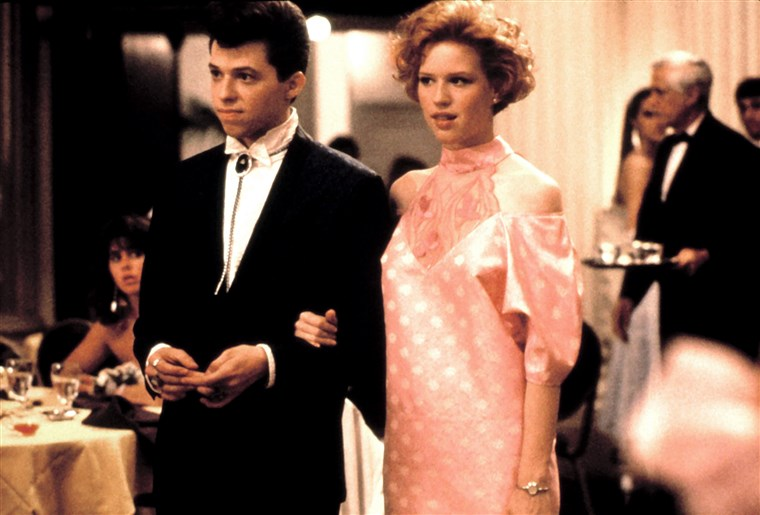 सुंदर IN PINK, Jon Cryer, Molly Ringwald, 1986, © Paramount / Courtesy: Everett Collection