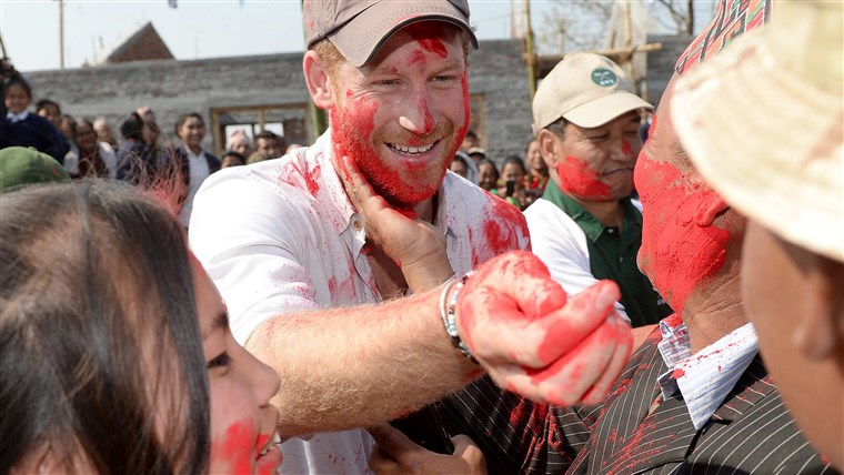 תמונה: Britain's Prince Harry visits Nepal