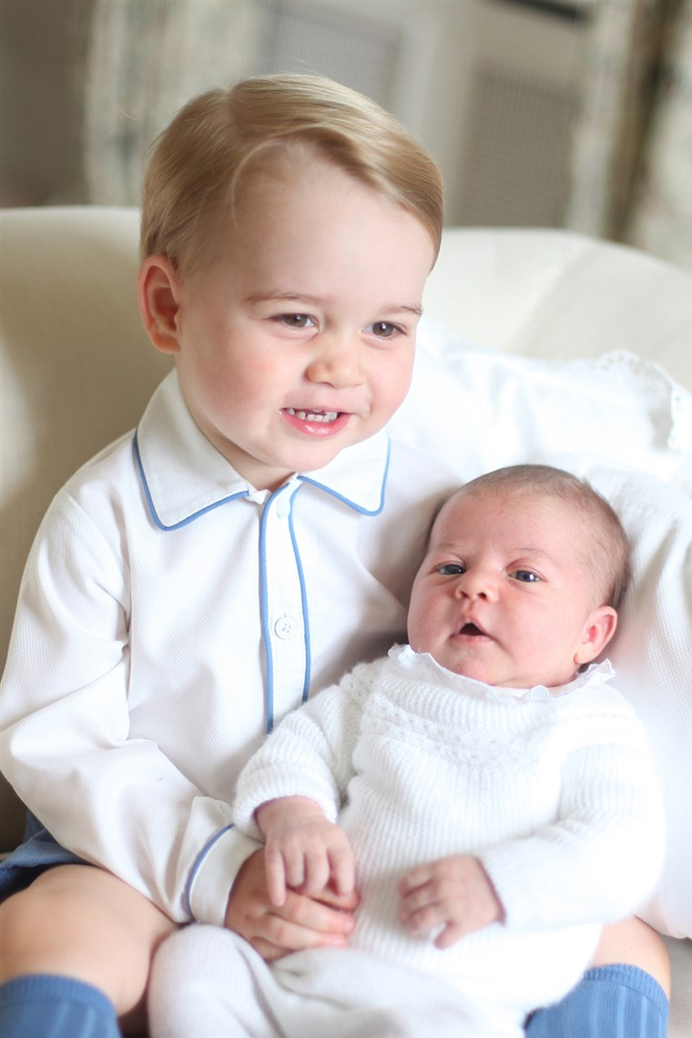 राजकुमार George and Princess Charlotte