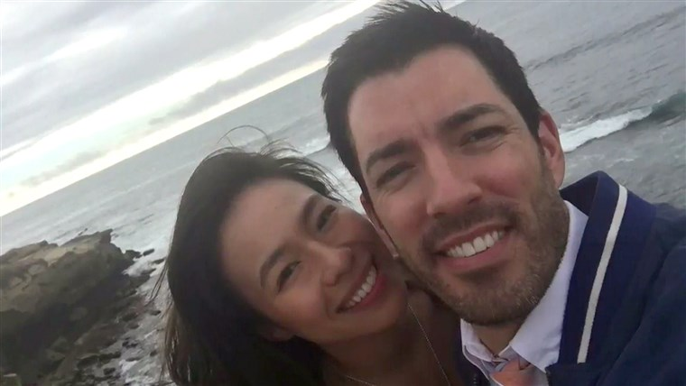 svojstvo Brothers' Drew Scott is engaged to his longtime girlfriend, Linda Phan.