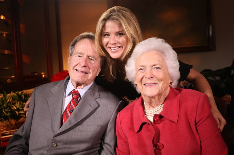 जॉर्ज H. W. Bush, Jenna Bush Hager, and Barbara Bush