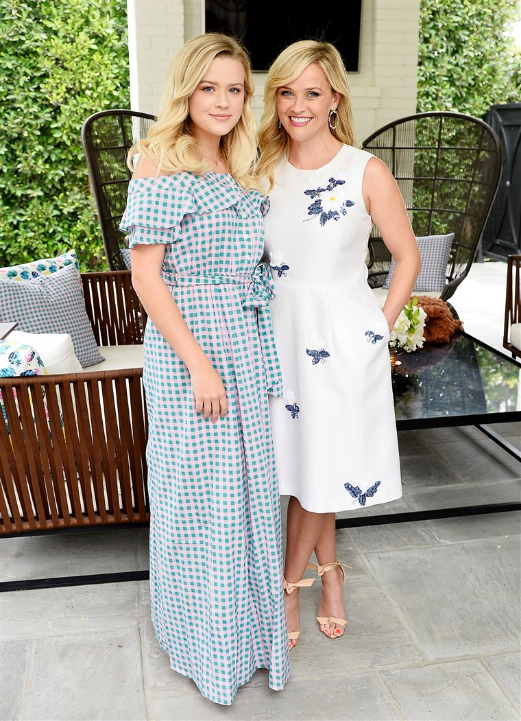 एवा Elizabeth Phillippe, Reese Witherspoon