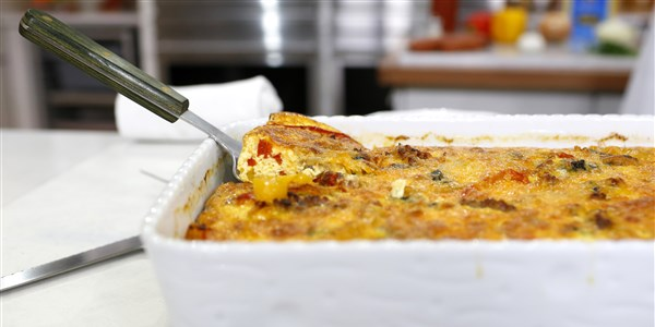 Könnyen Italian Sausage and Peppers Breakfast Casserole