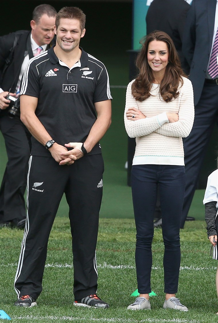 केट, the Duchess of Cambridge, was a great example for the book's author when finding real-life royalty who wear pants.
