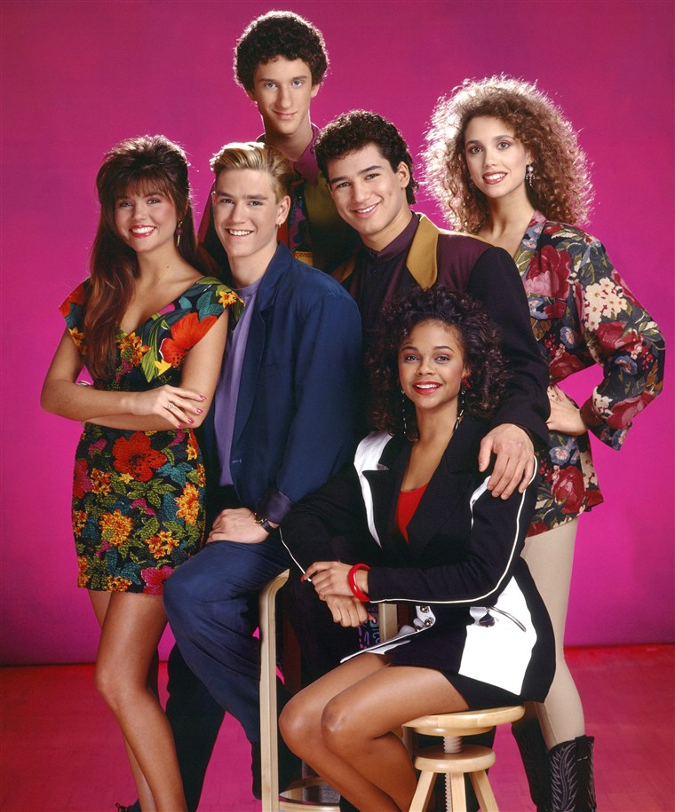 טיפאני THIESSEN MARK-PAUL GOSSELAAR MARIO LOPEZ ELIZABETH BERKLEY LARK VOORHIES & DUSTIN DIAMOND SAVED BY THE BELL (1989)