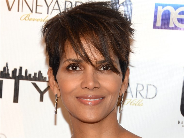 प्यारा short haircuts: Halle Berry