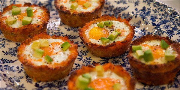 हैश Brown Egg Cups