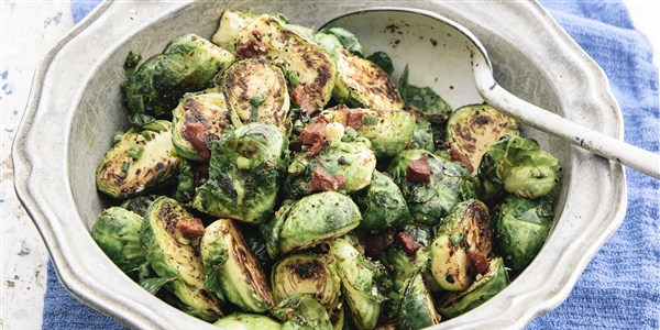 Pan-pržena Brussels Sprouts with Chorizo