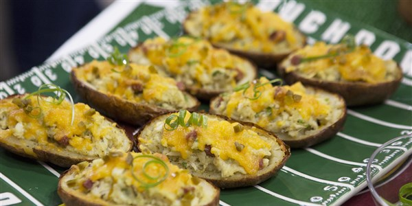 पुराना Bay Crab Loaded Potato Skins